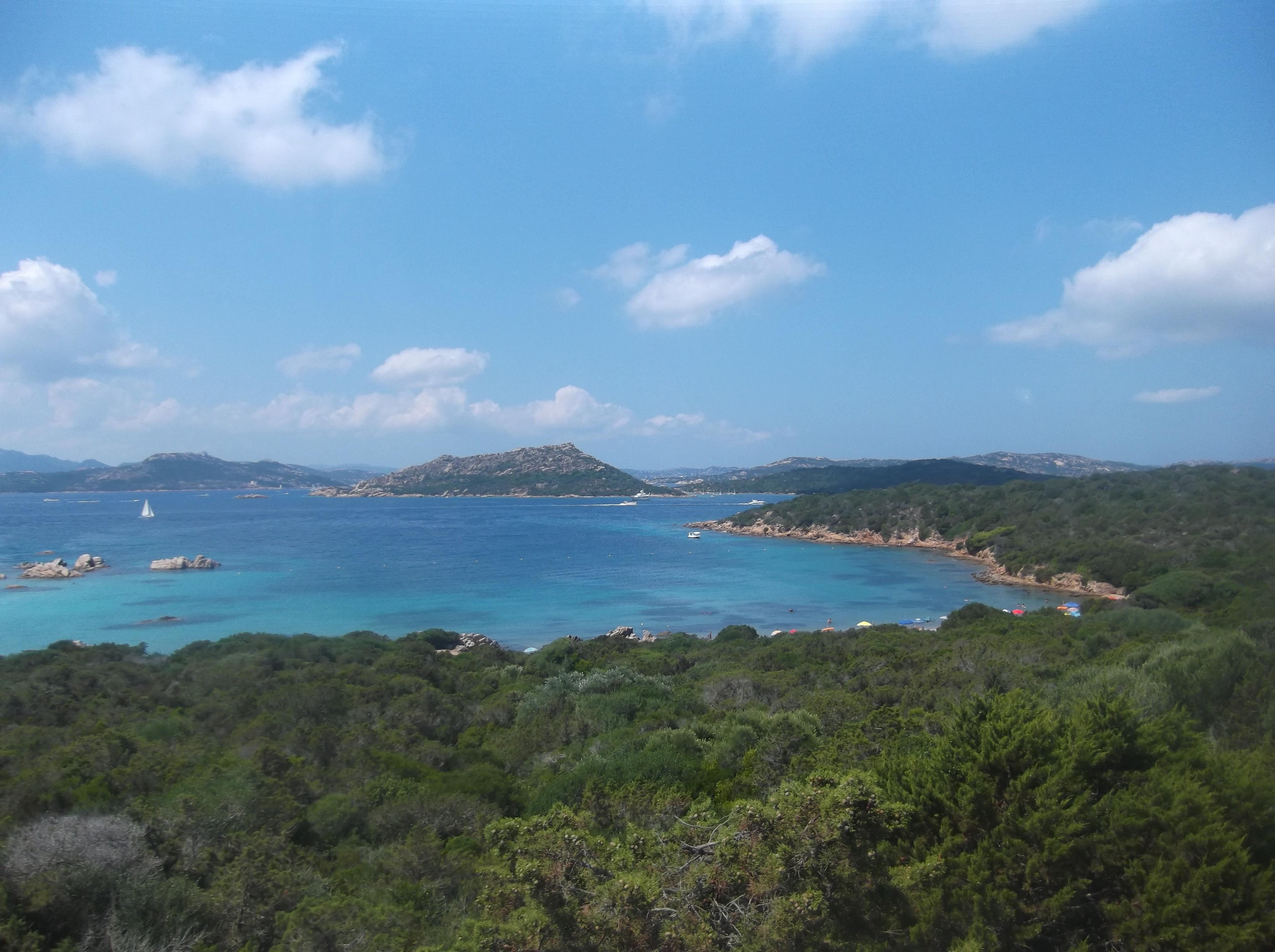 Plage sur l'île de la Caprera