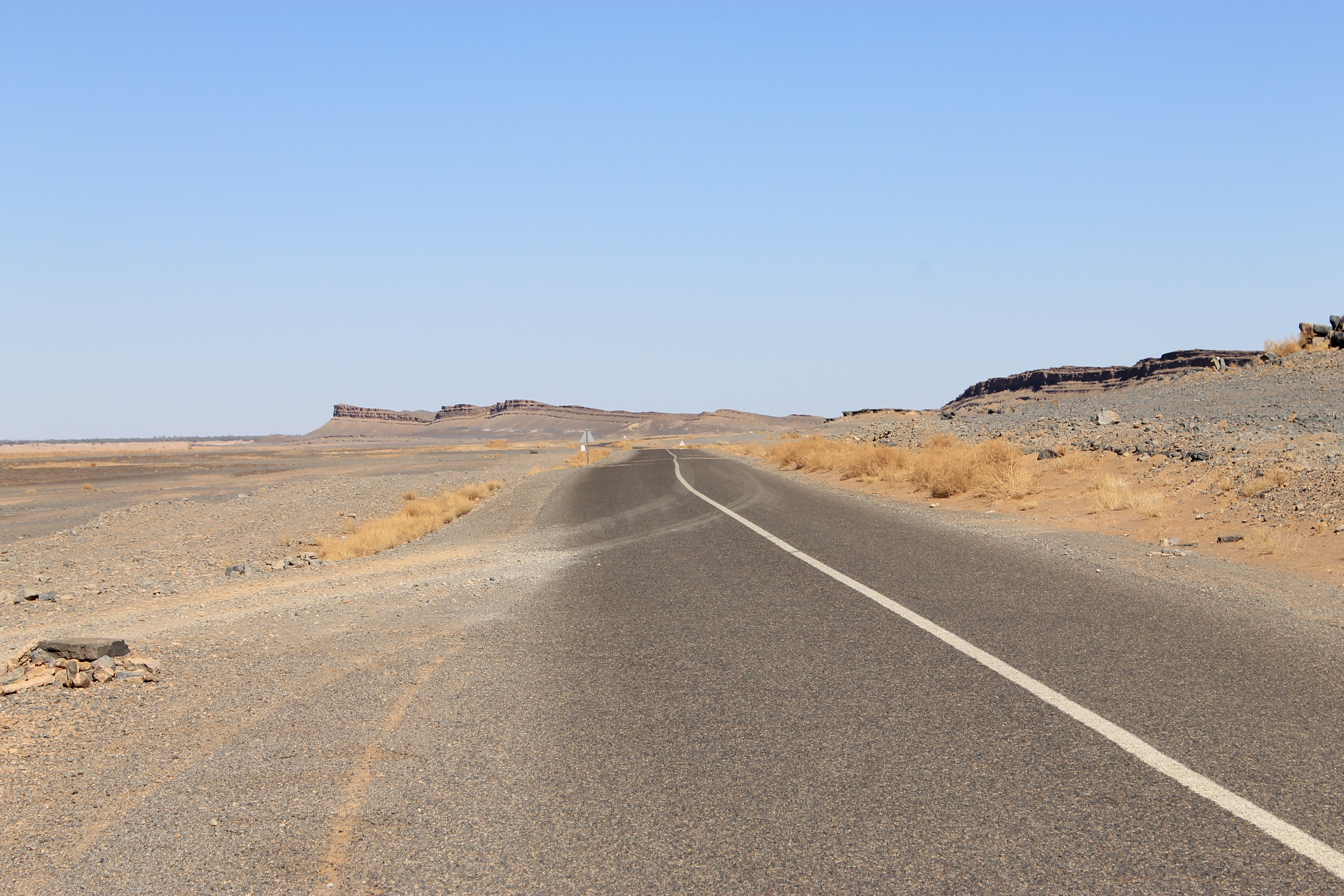 Une route dans le sud marocain