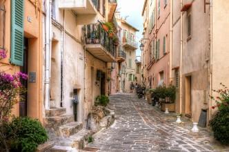 Une ruelle à Cannes