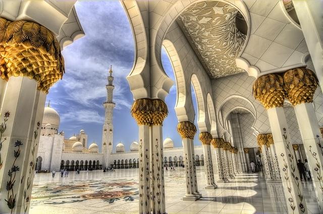 Grande Mosquée Sheikh Zayed à Abou Dabi aux Emirats arabes unis