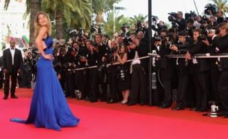 Les stars défilent sur le tapis rouge du Festival de Cannes
