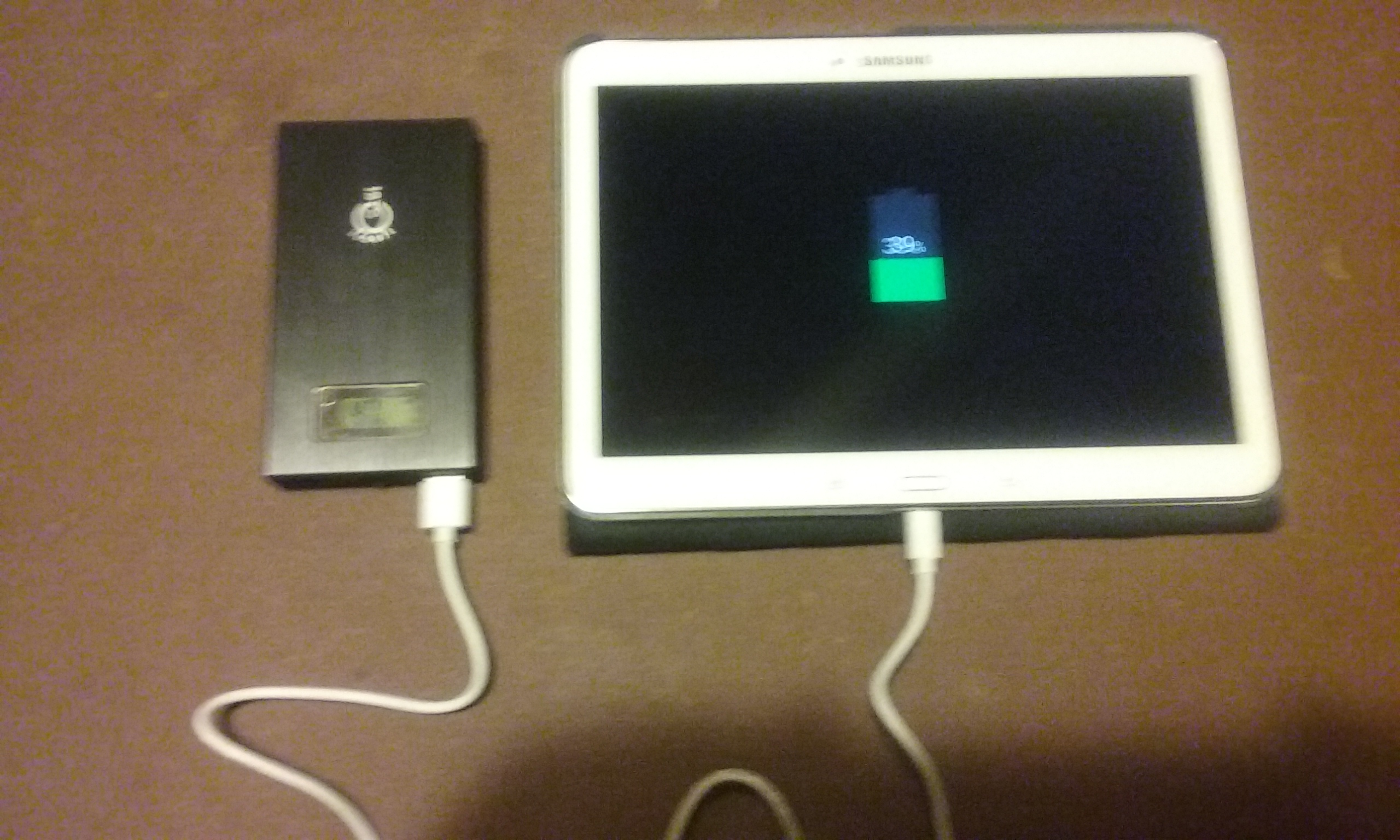 Recharge d'une tablette avec le Power Bank Intocircuit