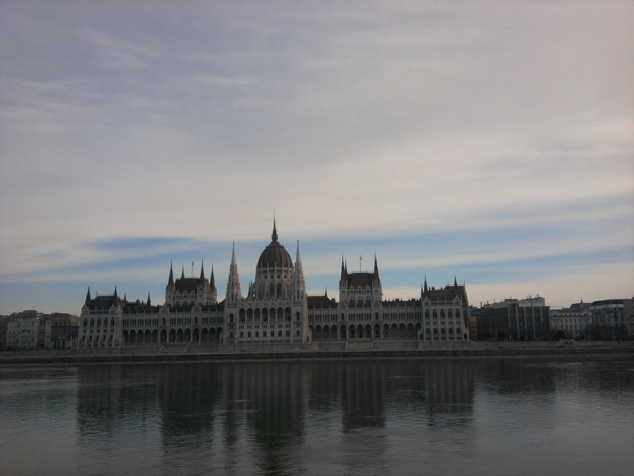 Parlement hongrois au bord du Danube