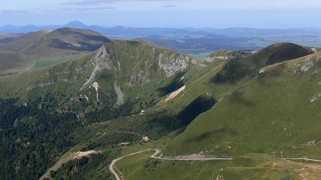 Une route dans le Puy du Sancy -Mont d'Ore - Auvergne
