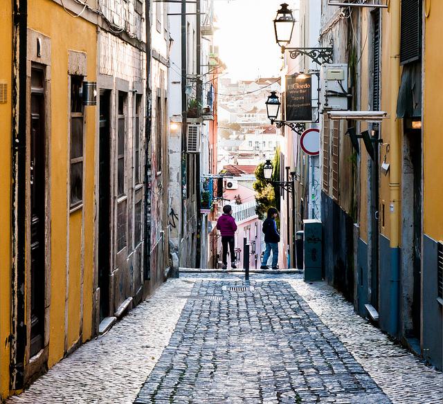 Ruelle du Bairro Alto à Lisbonne