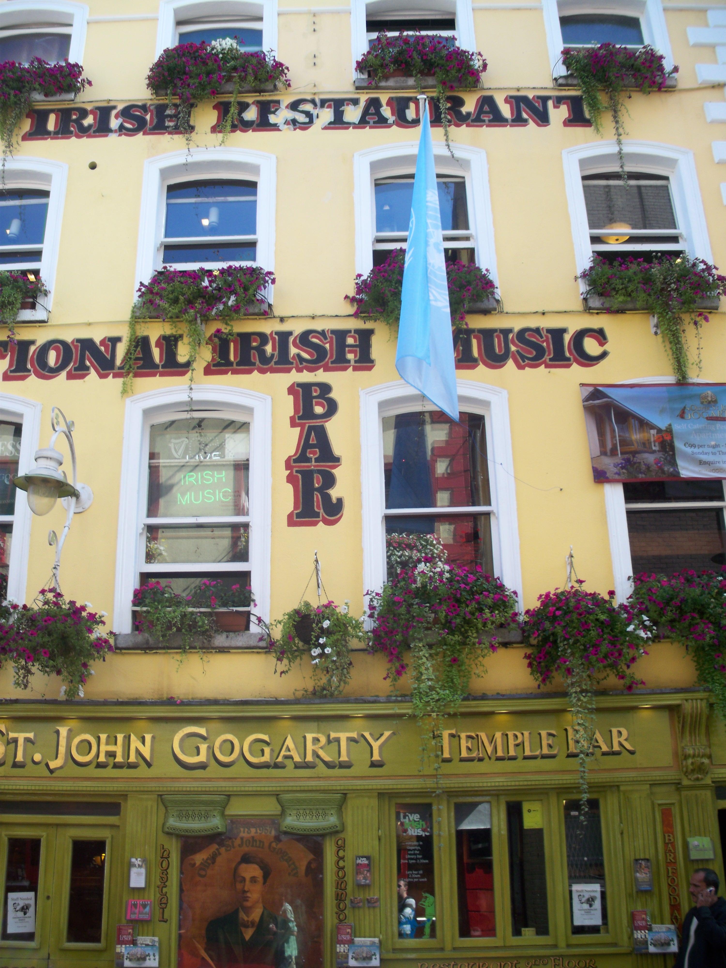 L'Oliver St John à Dublin