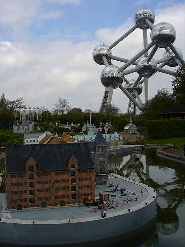 "L'Atomium vu de ""Mini Europe"""