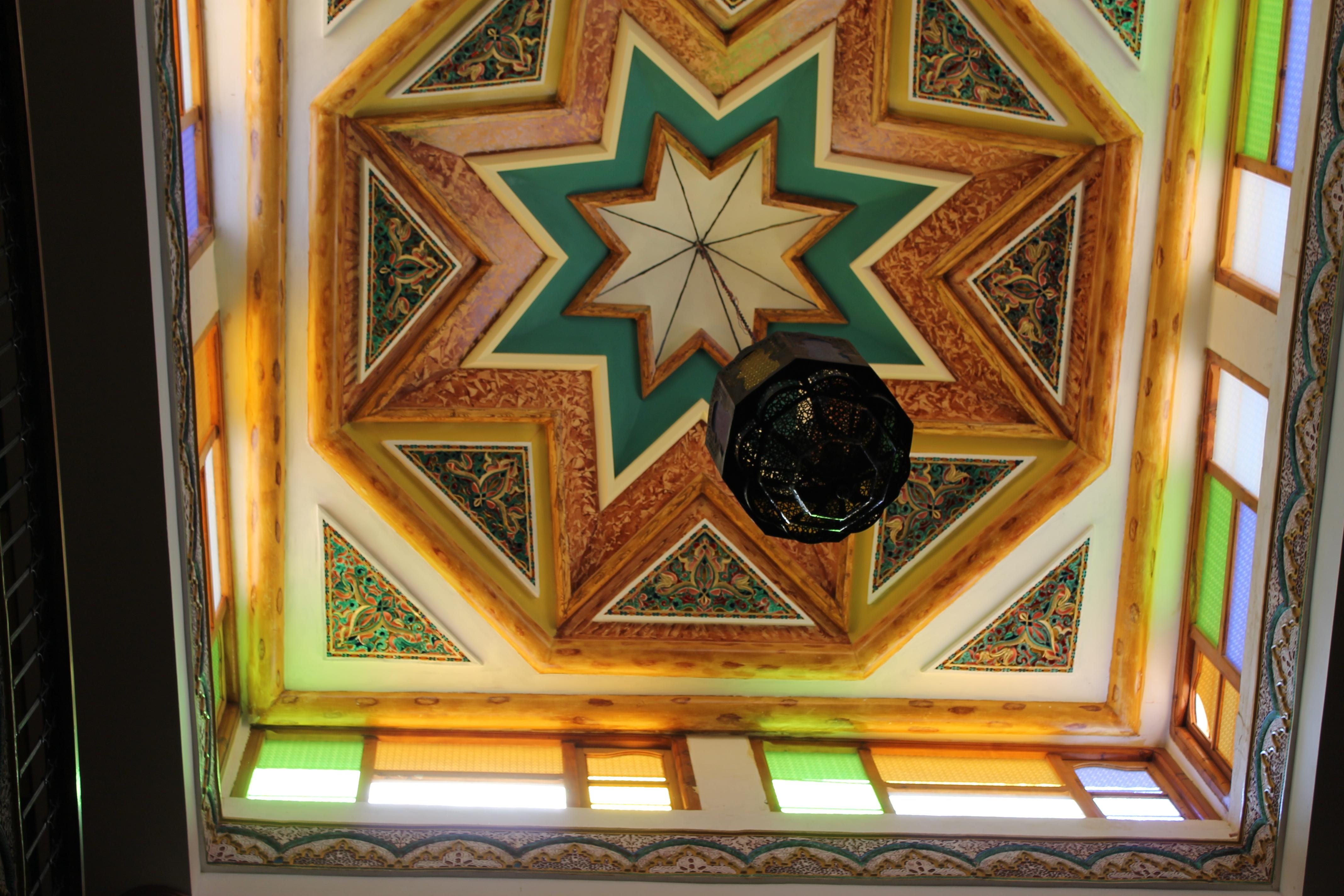 L'un des plafonds de la kasbah Taourirt à Ouarzazate