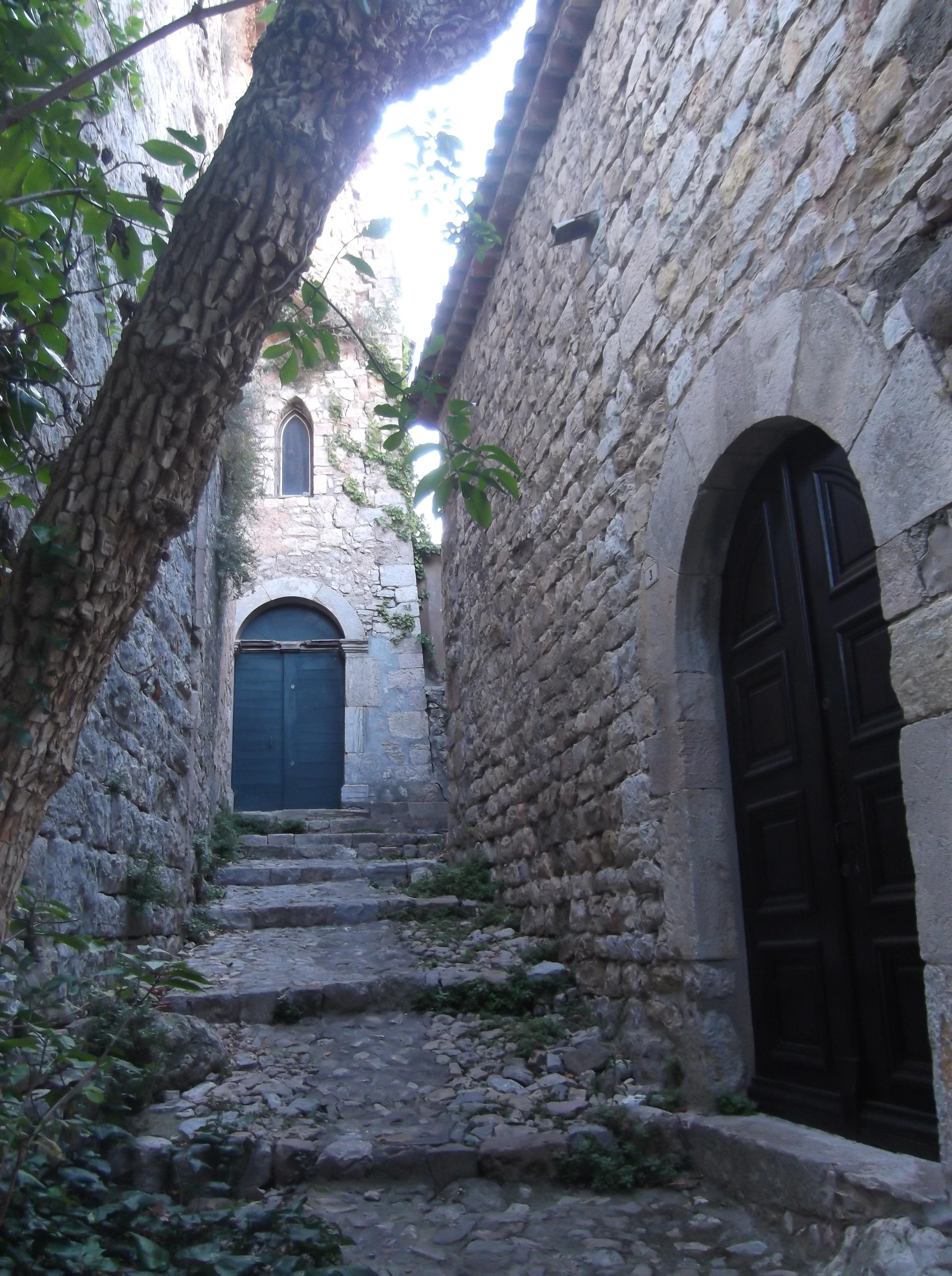 Une ruelle à Seillans