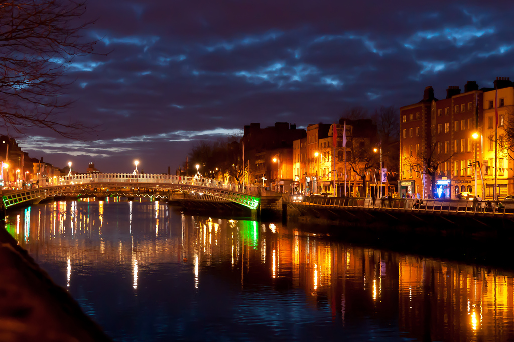Dublin at Night (Ha'penny Bridge)