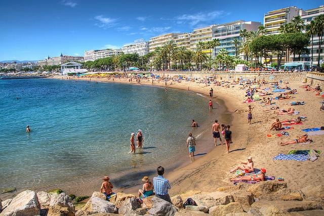 La plage à Cannes