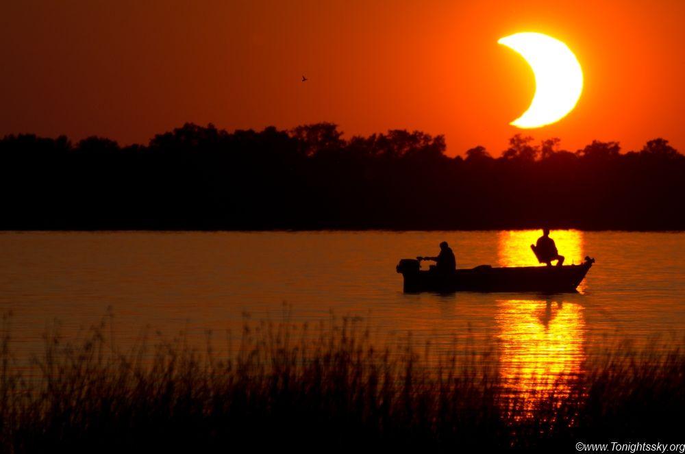 Éclipse dans le Minnesota en 2012 © Tyler Burg  Photo disponible sur futura-sciences.com