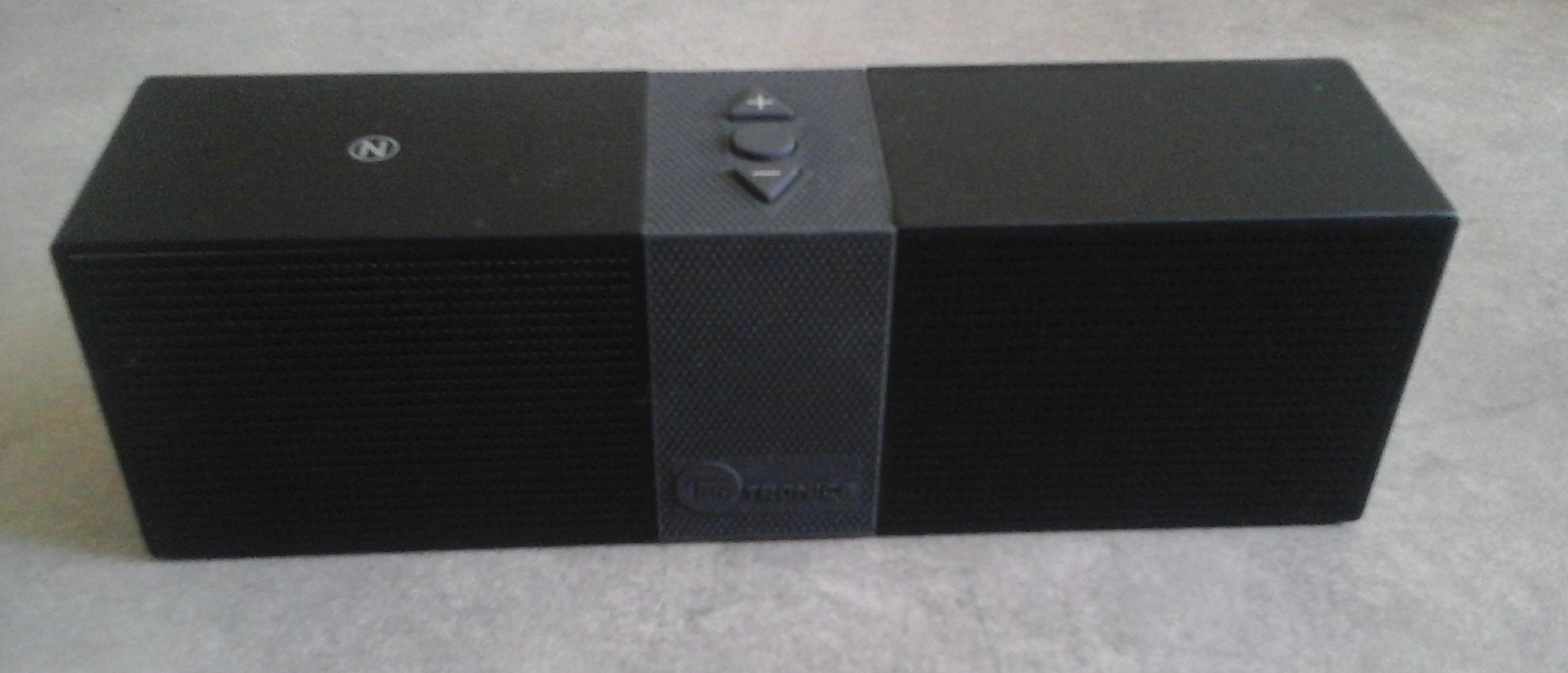 Le haut-parleur Bluetooth portable TaoTronics TT-SK02