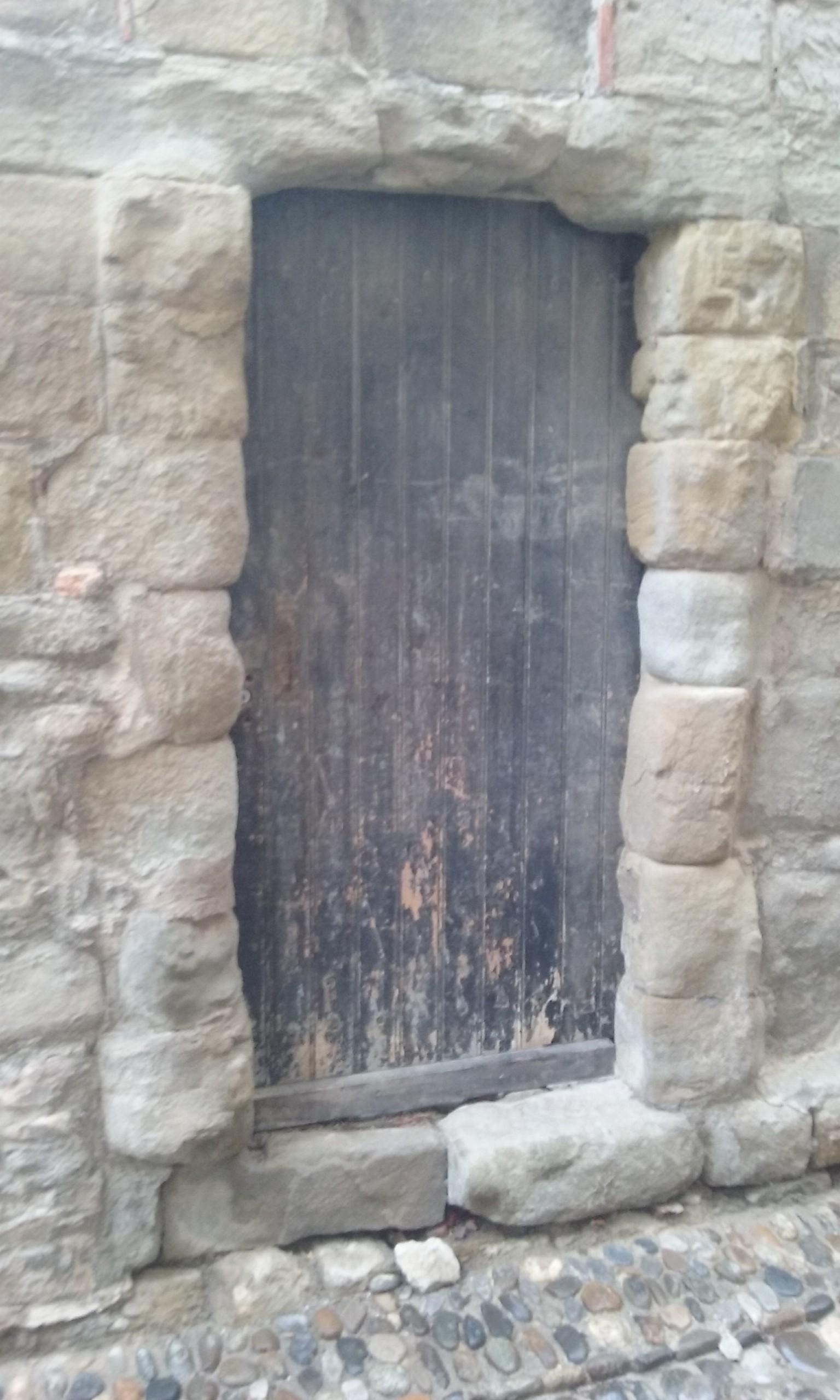 Une porte de la Cité