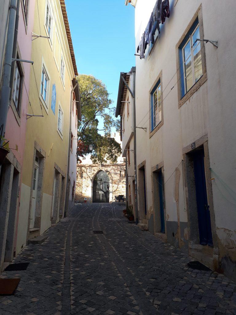 Ruelle dans l'Alfama - Lisbonne
