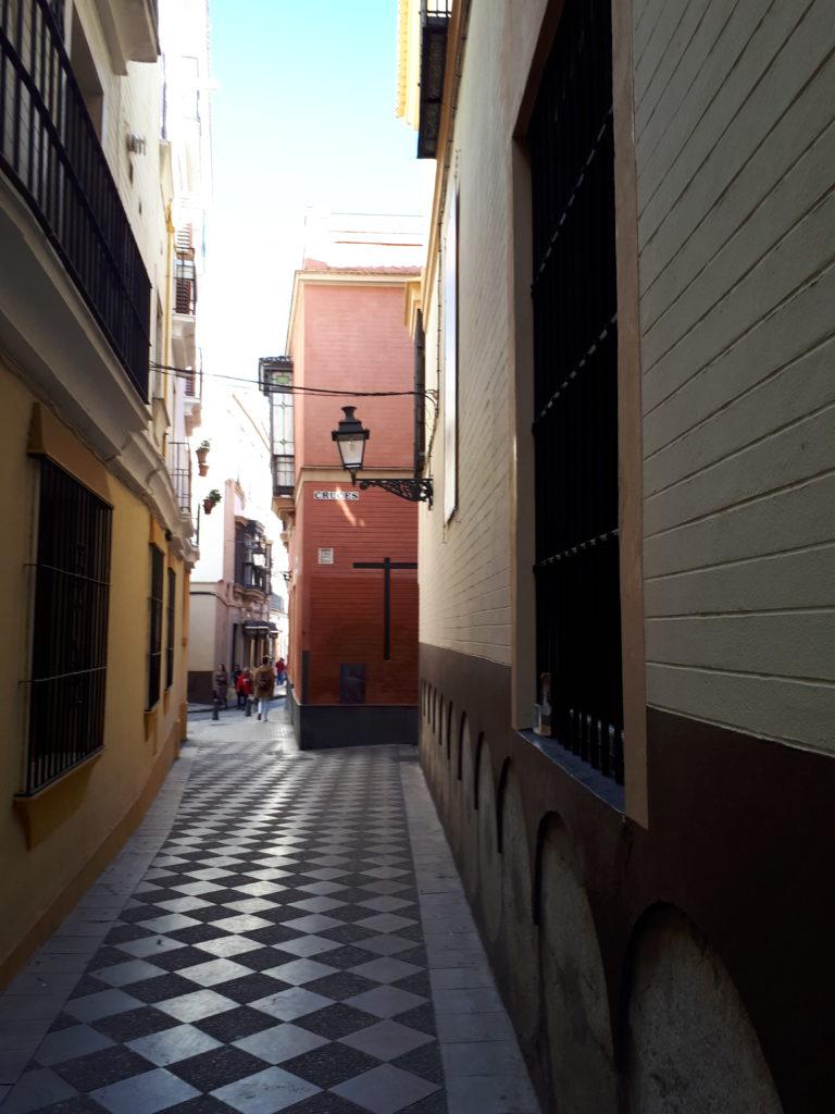 Une ruelle du quartier Santa Cruz - Séville