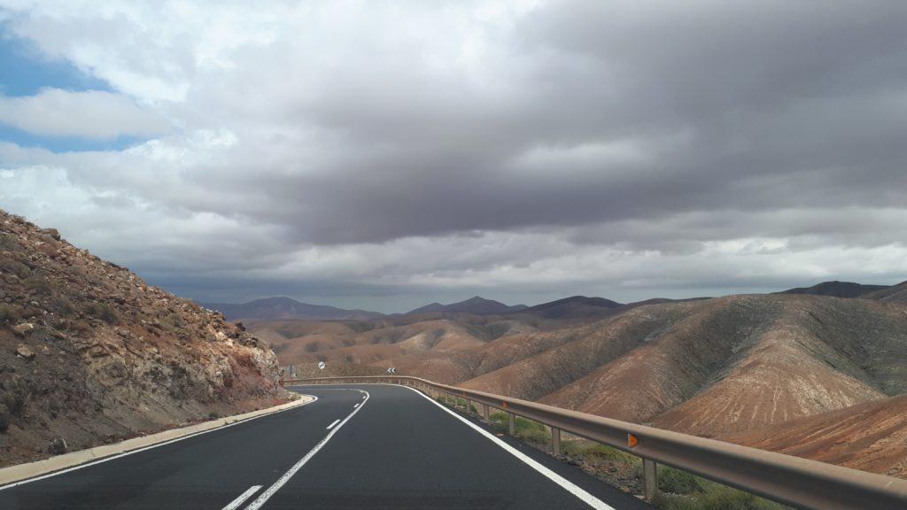 Les routes sinueuses de Fuerteventura