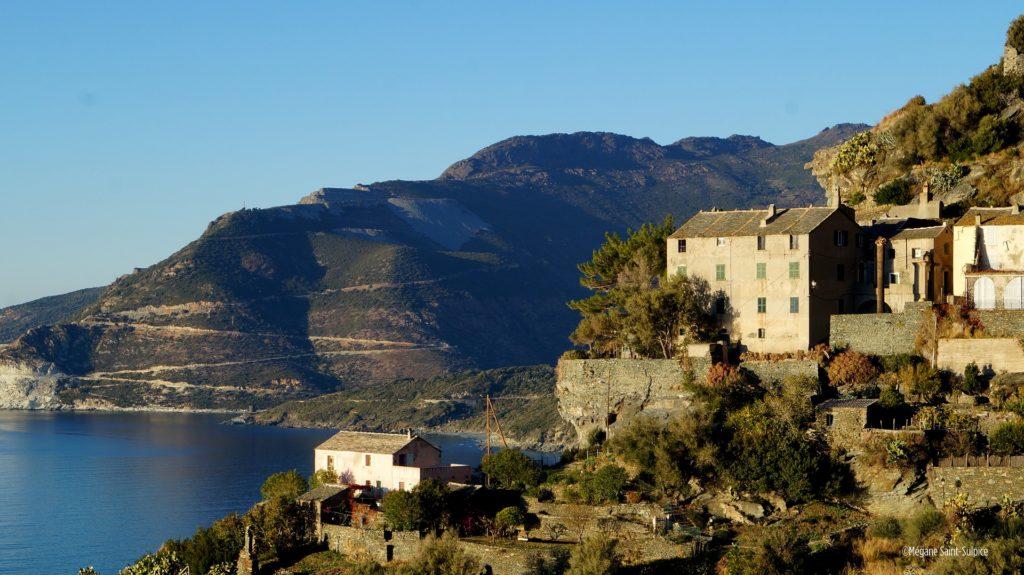 Comment aller en Corse puis comment se déplacer sur l'île ...