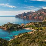 Location de bateaux en Corse : top 5 des plus beaux mouillages